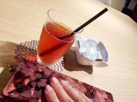 OL lunch / iced tea and wallet