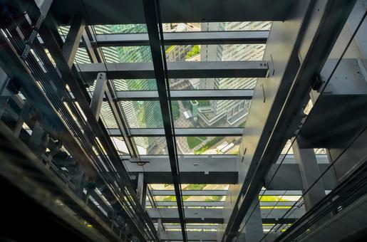 고층 빌딩의 엘리베이터