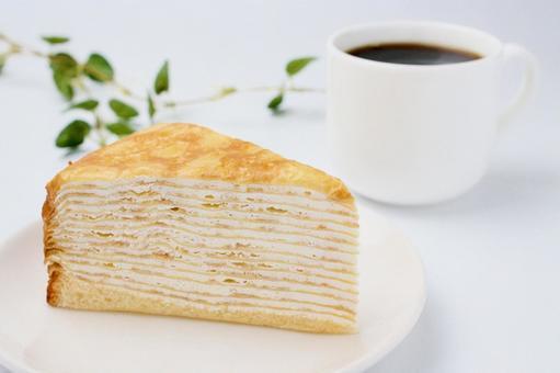 밀 크레페와 커피