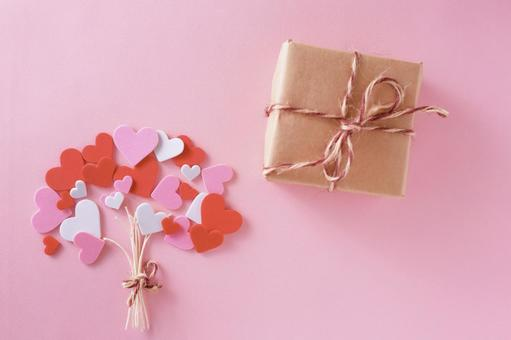 Bouquet of hearts and gift box