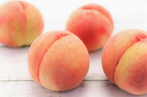 Peach thigh fruit fruit