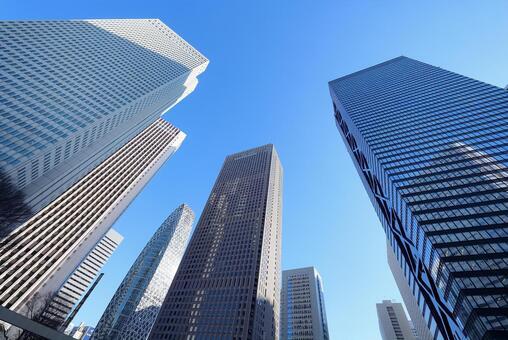 도쿄 신주쿠의 고층 빌딩 군