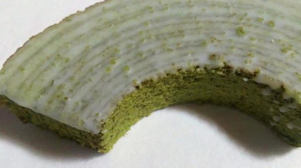 Baked confectionery 28 (Uji Matcha Baumkuchen)