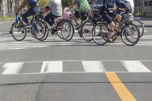 Bicycle crossing a scrambled intersection