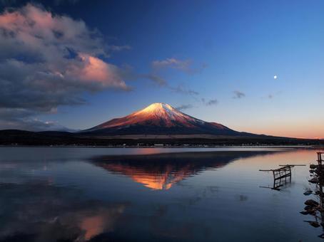 Mirror Fuji and the Moon