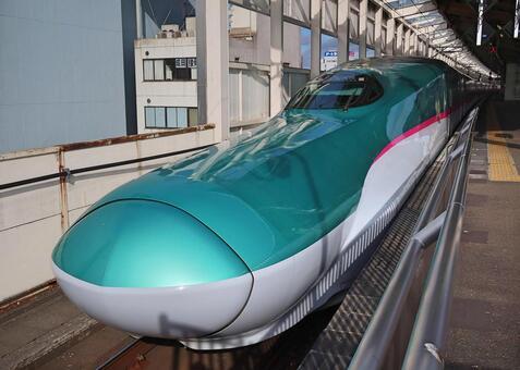 도호쿠 신칸센 E5 계 고리 야마 역