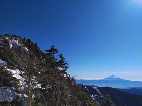 金峰山에서 바라 보는 후지산 겨울