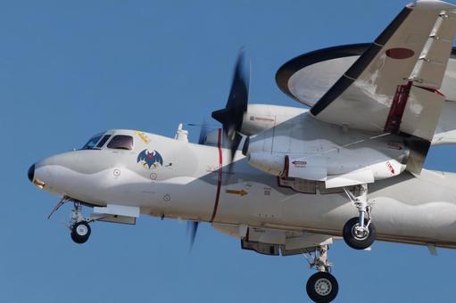 飞行机E-2C