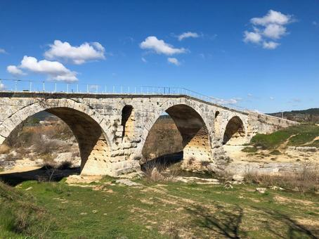普羅旺斯朱利安橋景觀