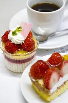 Spring ♪ strawberry cake