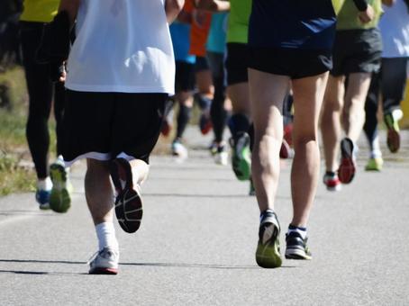 Many feet of marathon