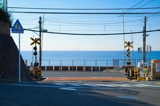 가마쿠라 고등학교 앞에서 건널목