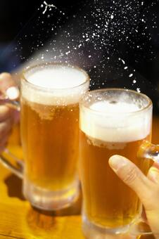 A toast with draft beer fly splash