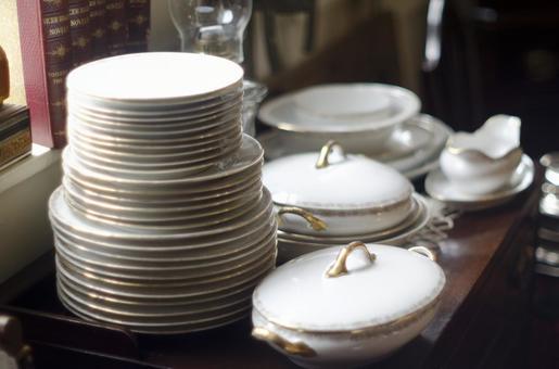 Antique tableware 4
