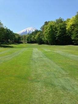 Golf course fairway Mt. Fuji
