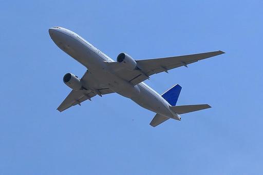 飞行机 B777