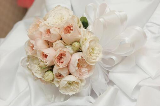 Bouquet in brides hand