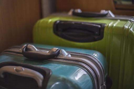 두 늘어선 가방
