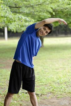 Preparation at the park Men who exercise gymnastics 11