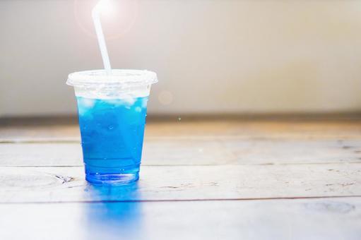 蘇打喉藍飲料_帶蓋