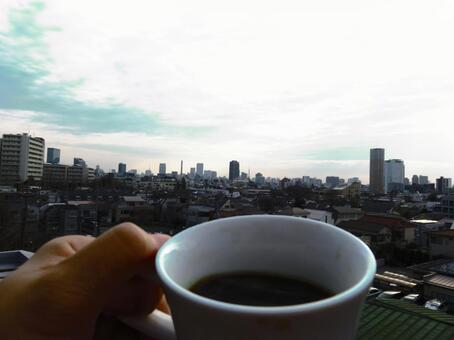 Coffee time 2 while watching the cityscape