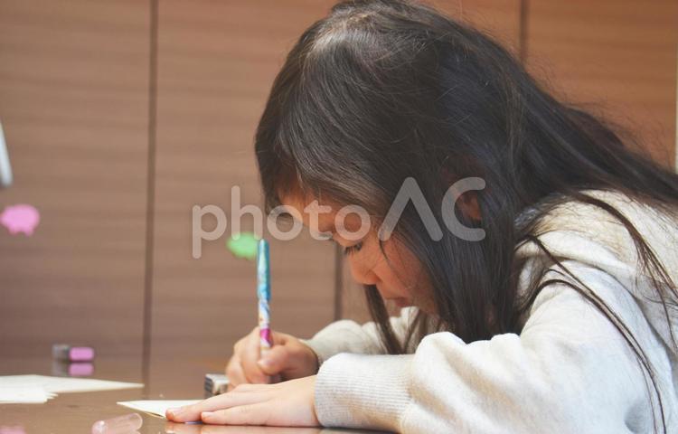 子どものお勉強の写真
