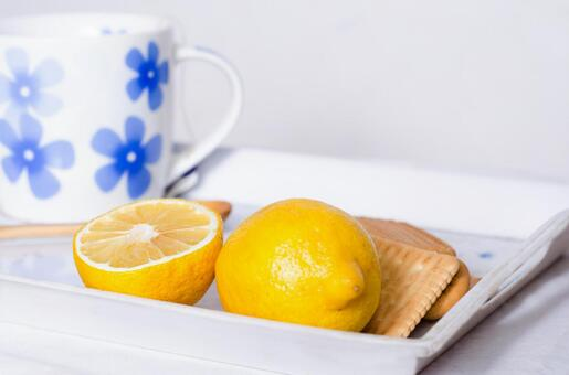 Cup and lemon