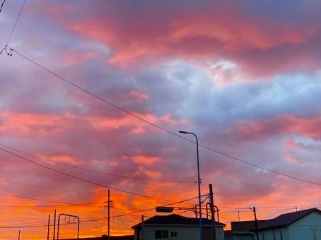 日出橙色天空明亮的紅色天空