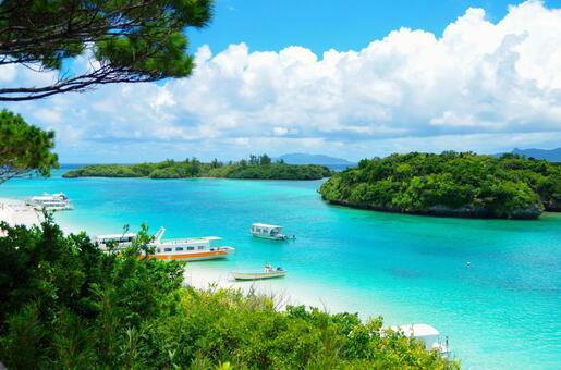 Okinawa, Kawahira Bay
