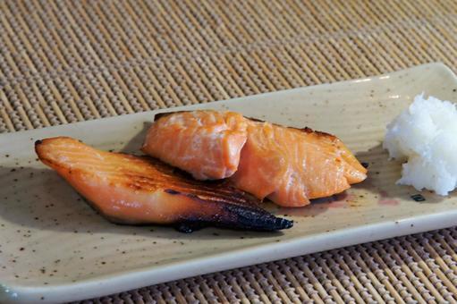 鮭の味噌漬けの焼き物