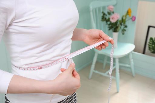 Women measuring waist 4
