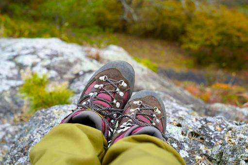 Mountaineering shoes break