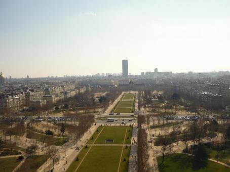 パリを上空から見た景色 1