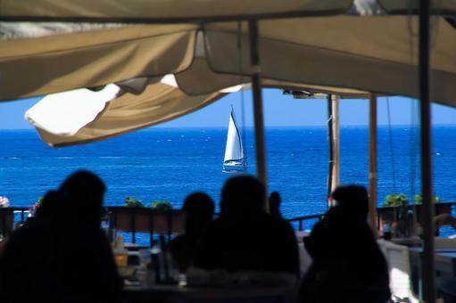여름 요트 해변 레스토랑 점심 이미지