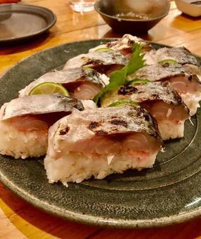 Grilled mackerel sushi