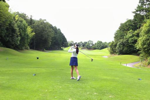 Female golf 18