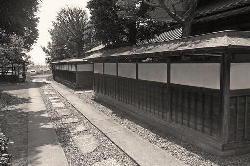 """Former Inoue family house (monochrome) """"outer circumference / board fence"""""""