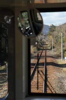 查看从Tenhama线车辆驾驶室水平
