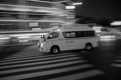 During emergency driving (2nd frame) Monochrome version