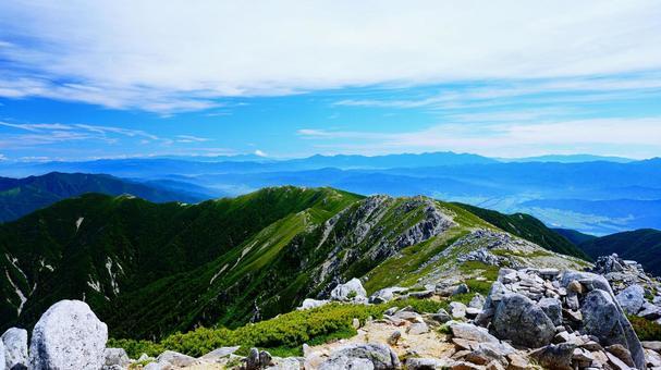 기소 고마가 타케 산 정상에서 이어지는 산맥