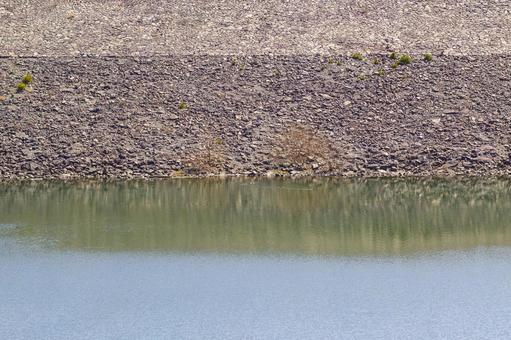 Dam lake and Ishigaki 4