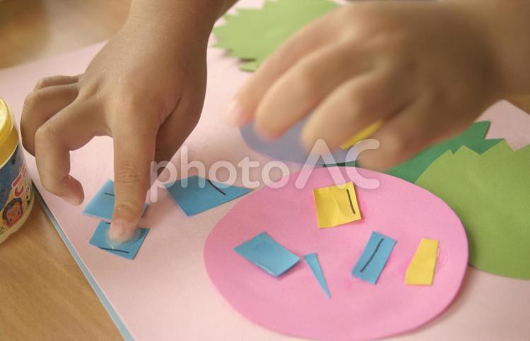幼児の工作の写真