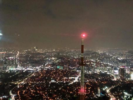 서울 타워의 야경