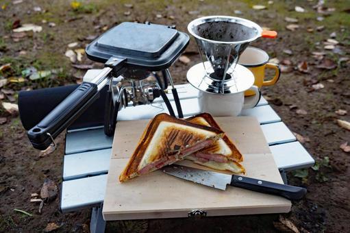 Solo camp breakfast
