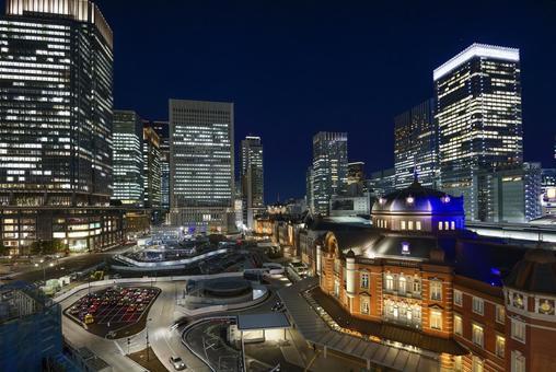 도쿄역과 마루 노우치의 야경