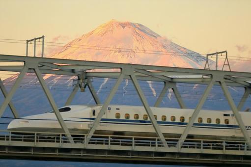 Tokaido Shinkansen and Akafuji