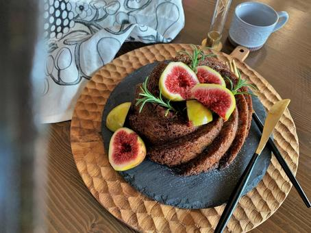 Fig and red wine cake Fashionable oil cake
