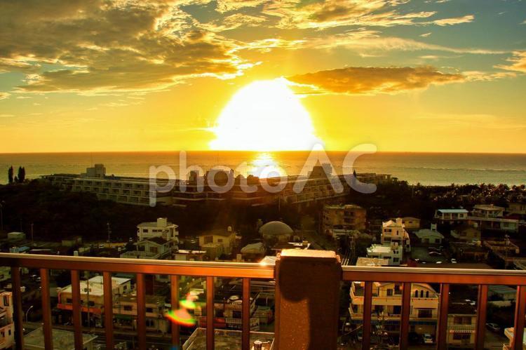 沖縄の夕日の写真