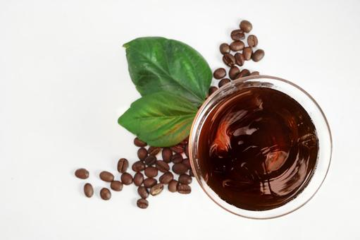 커피 잘 시원한 아이스 커피