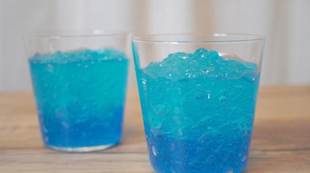 清爽的天藍色果凍